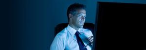CSR-por-la-noche-exceso-de-luz-por-las-nuevas-pantallas