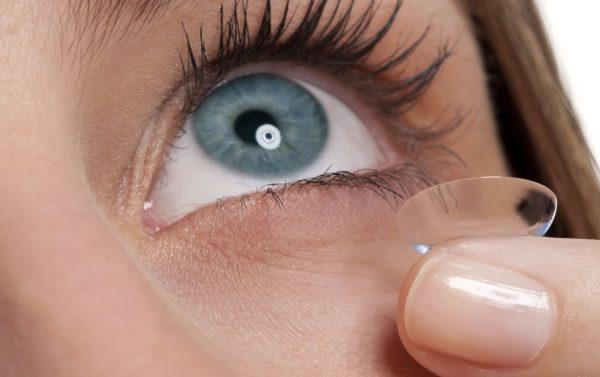 Consejos para mantener tus lentes de contacto limpias