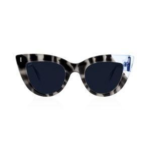 Tiwi-Yunon-white-tortoise-blue-front